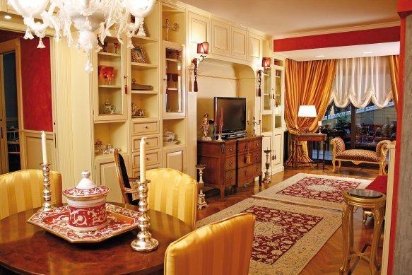 In casa di patrizia e massimo la maison e lifestyle magazine for Arredare casa in stile classico