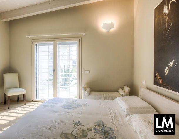 In casa di sanya e gianluca la maison e lifestyle magazine for Camera padronale di campagna francese