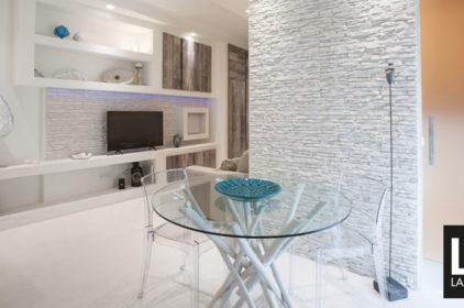 In casa di Gabriel e Levante. Ristrutturazione di un piccolo appartamento di 42 mq